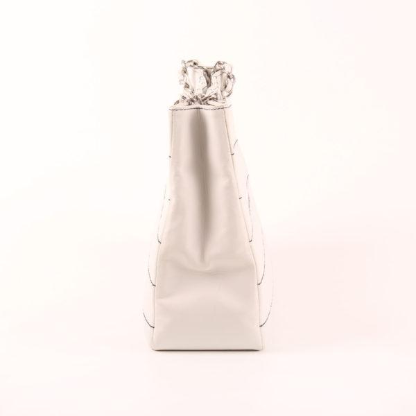 Imagen del lado 1 del chanel tote blanco cuadrado piel de cordero almohadilla
