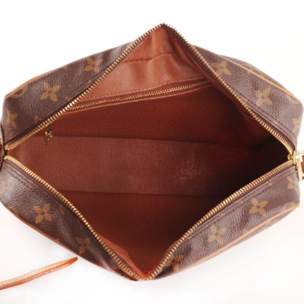 Imagen del forro del bolso bandolera louis vuitton trocadéro 27 mm monogram