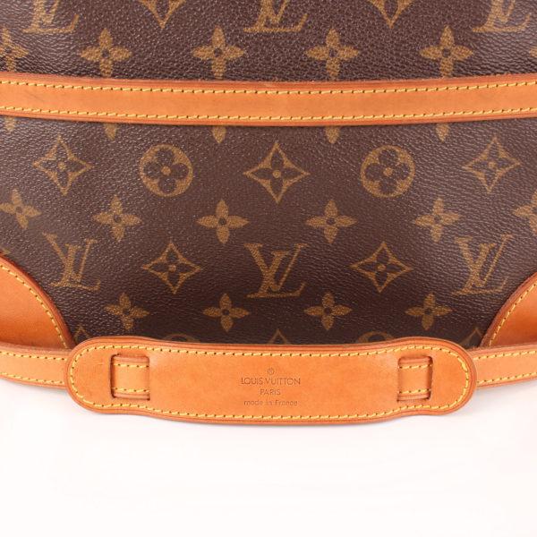 Imagen del refuerzo de la bandolera del bolso bandolera louis vuitton trocadéro 27 mm monogram