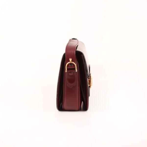 Imagen del lado 1 del bolso céline vintage box calèche herrajes en oro burdeos