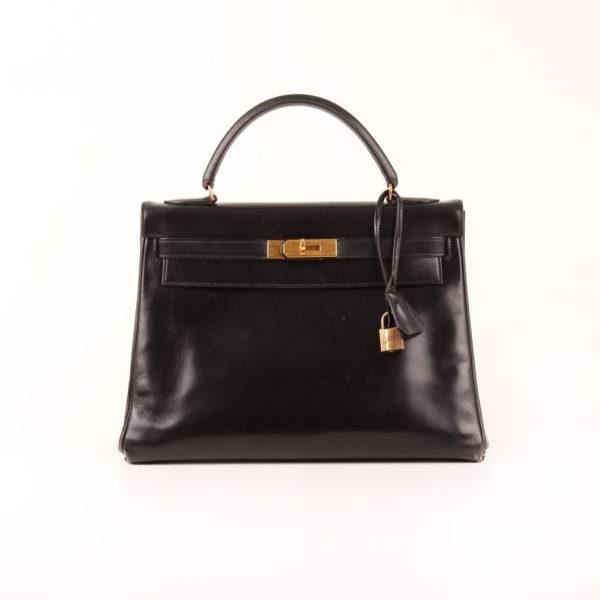 Imagen frontal del bolso Hermès kelly 32 box calf negro