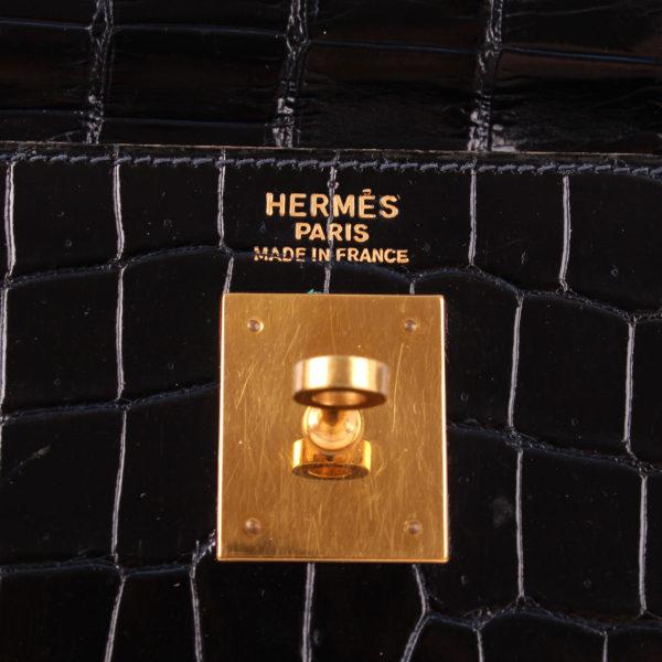 Imagen de la marca del bolso hermes kelly 35 en piel cocodrilo azul