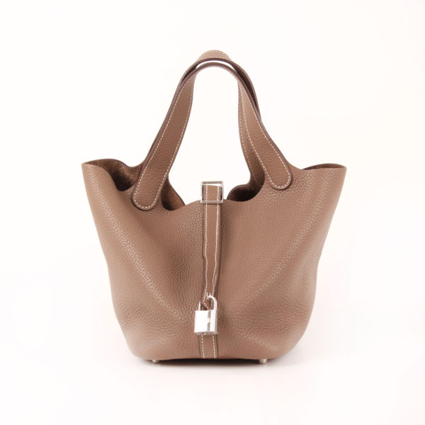 Imagen del bolso hermès picotin mm lock taupe gris clémence con candado