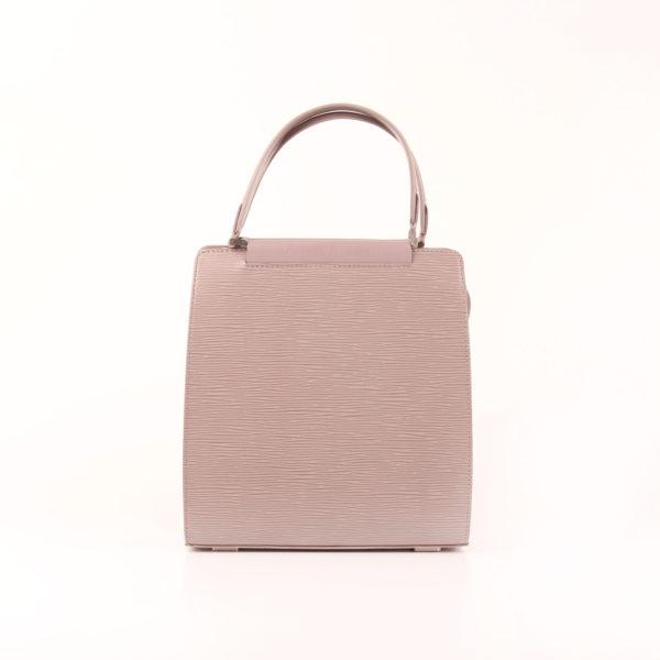 Imagen frontal del bolso louis vuitton figari pm epi gris
