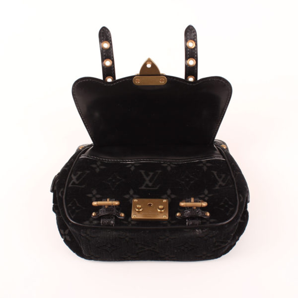 Imagen de la solapa del bolso louis vuitton gracie velvet alligator terciopelo
