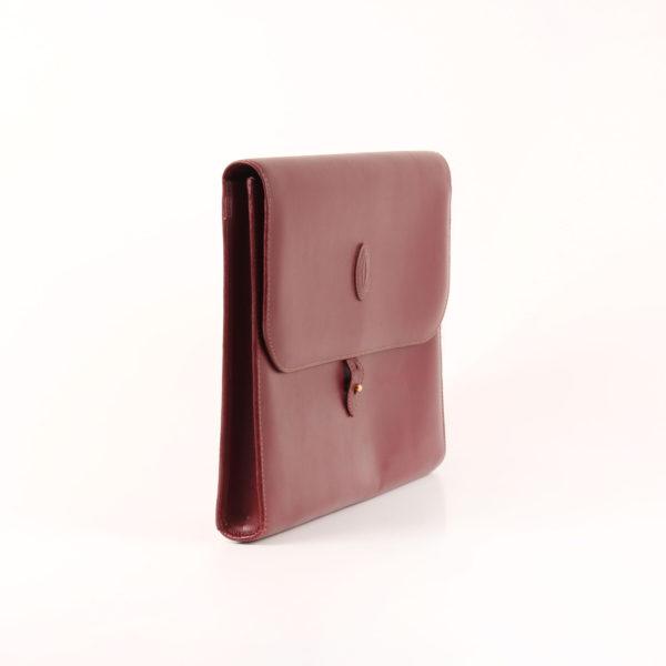 Imagen del lado 2 de la cartera de mano must cartier burgundy satchel