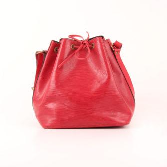 Imagen frontal del bolso bandolera louis vuitton noé épi petit rojo