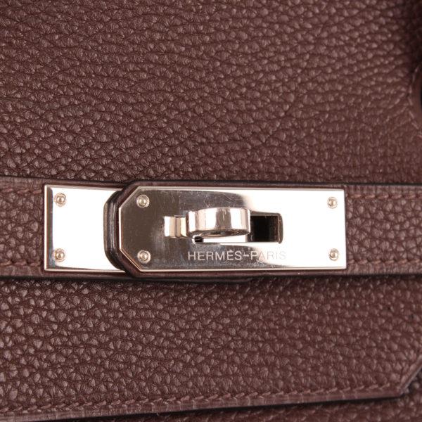 Imagen del cierre del bolso hermès birkin 40 togo marrón oscuro