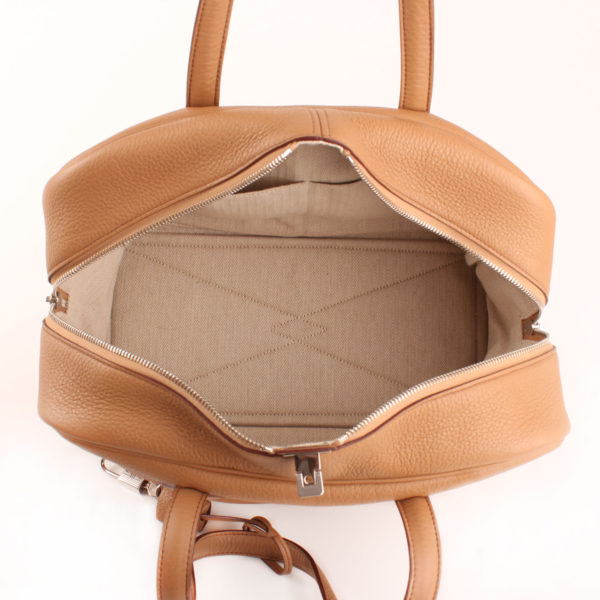 Imagen del forro de tela del bolso hermès victoria II 35 cuero clemence