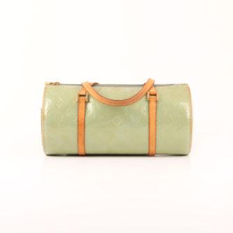 Imagen frontal del bolso louis vuitton bedford vernis verde