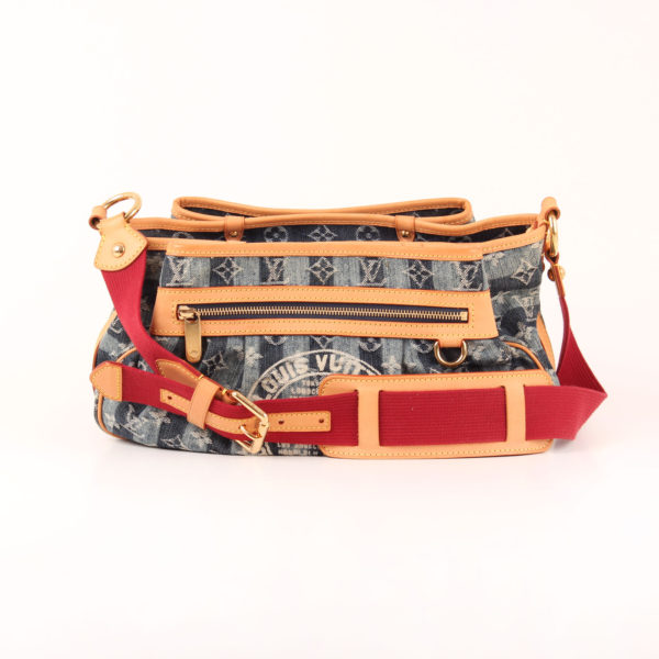 Imagen de la bandolera del bolso louis vuitton cruise denim trunks & bags