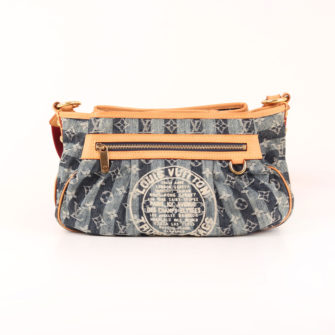 Imagen frontal del bolso louis vuitton cruise denim trunks & bags