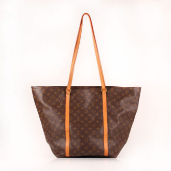 Imagen frontal del bolso louis vuitton grand shopping monogram