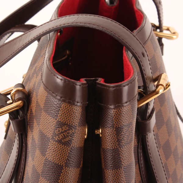 Imagen del asa del bolso louis vuitton hampstead damier ébène