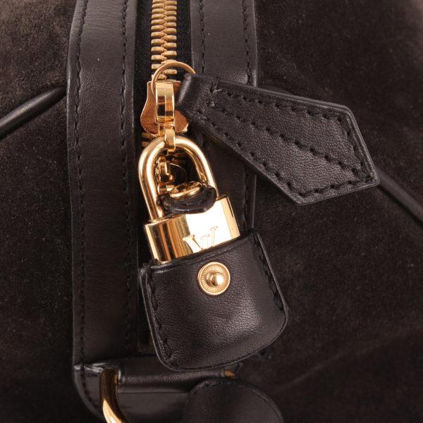 Imagen del candado del bolso louis vuitton sofia coppola mm suede asphalt