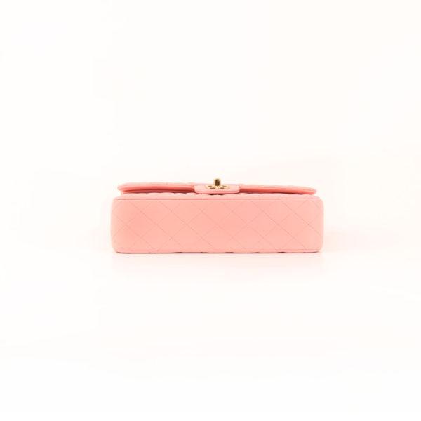 Imagen de la base del bolso chanel classic double flap rosa