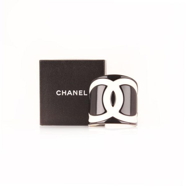 Imagen caja chanel CC brazalete cuff
