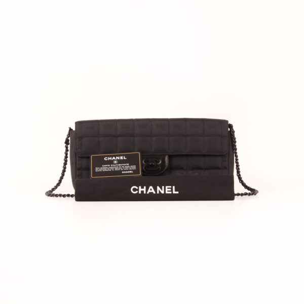 Imagen del dustbag del bolso chanel travel line black