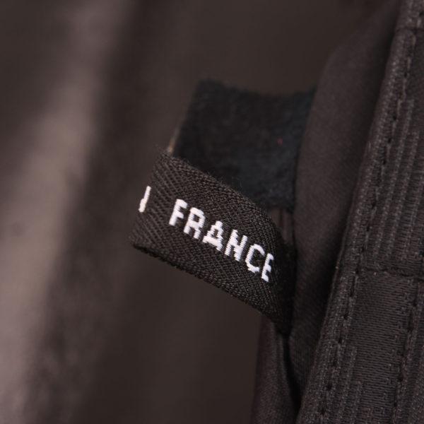 Imagen de la etiqueta del bolso chanel travel line black