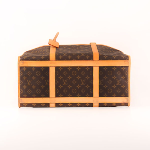 Imagen de la base de louis vuitton dog carrier 50 monogram