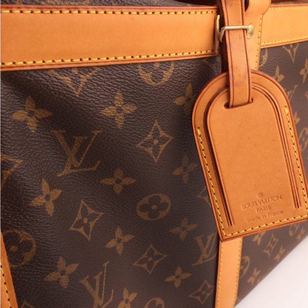 Imagen del identificador de louis vuitton dog carrier 50 monogram