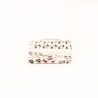 Imagen frontal del bolso chanel coco fabric