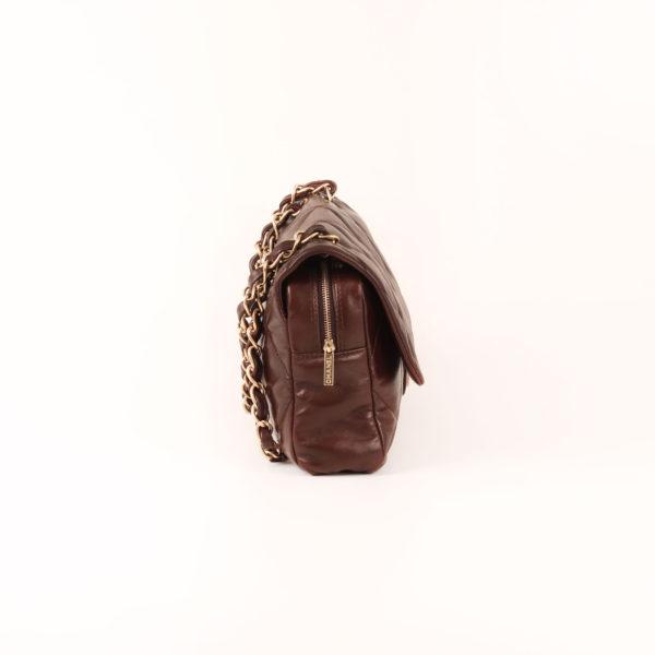 Imagen del lado 1 del bolso chanel maxi quilted marron