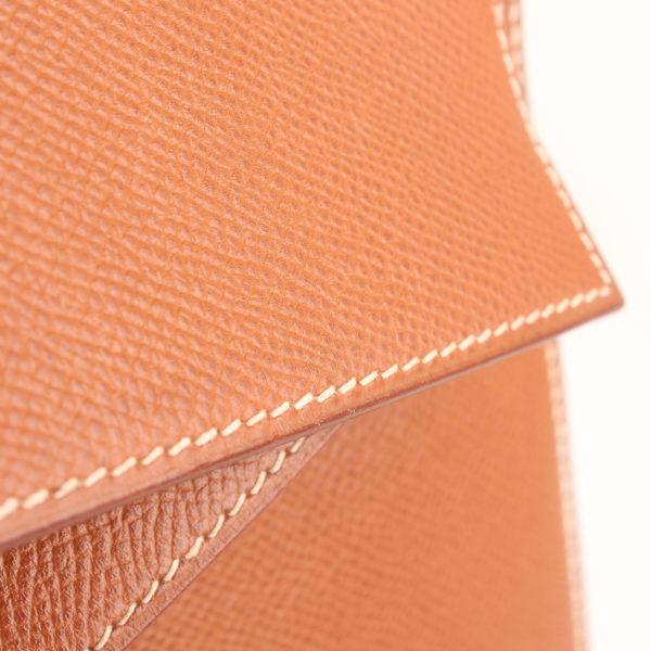 Imagen de la piel del bolso hermes kelly 32 gold