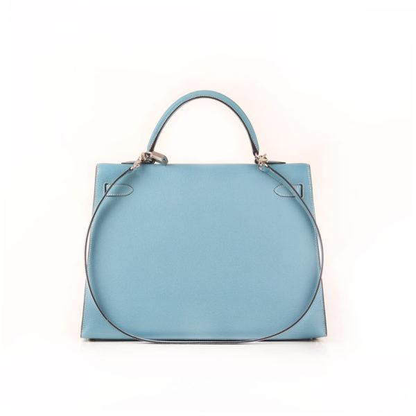 Imagen trasera del bolso hermes kelly 35 azul