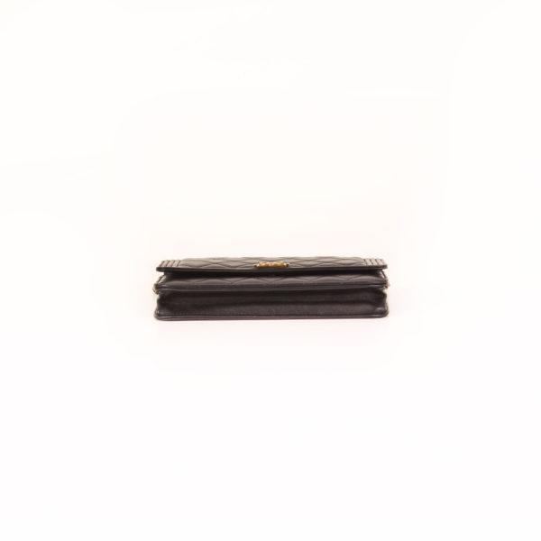 Imagen de la base del bolso chanel woc negro