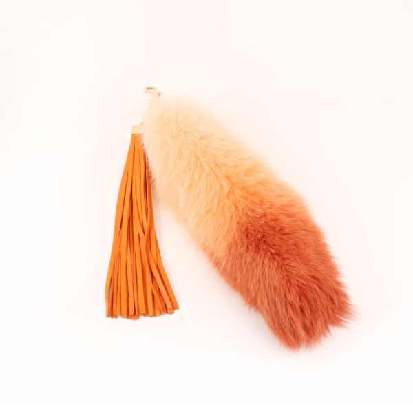 Imagen del fox tail del bolso louis vuitton sunrise denim