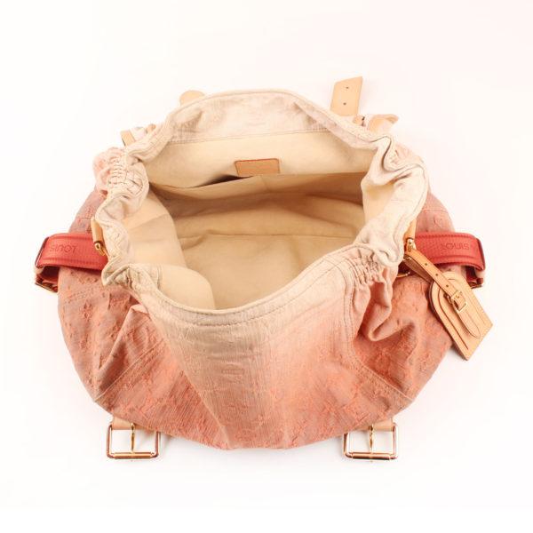 Imagen del interior del bolso louis vuitton sunrise denim