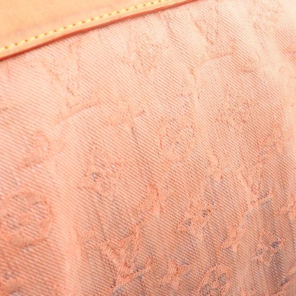 Imagen del tejido del bolso louis vuitton sunrise denim