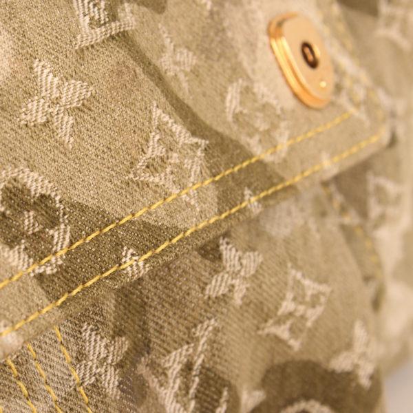 Imagen del tejido de la bolsa louis vuitton denim verde