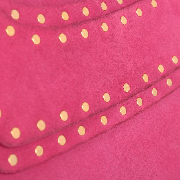 Imagen del detalle de la piel del bolso celine rosa