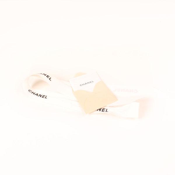 Imagen del lazo del bolso chanel brocade