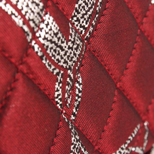 Imagen del tejido detalle del bolso chanel brocade