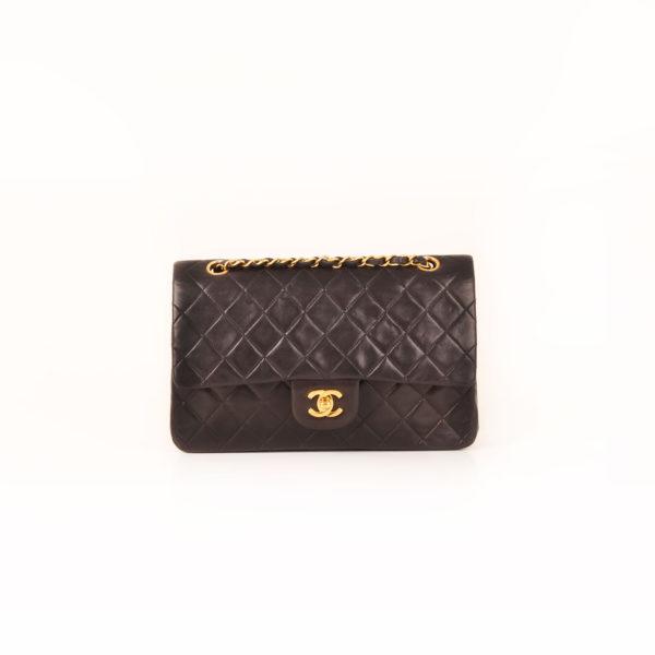 Imagen del frontal 2 del bolso chanel classic negro vintage