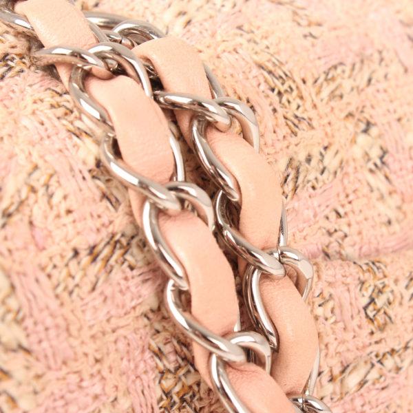 Imagen de la cadena del bolso chanel tweed rosa