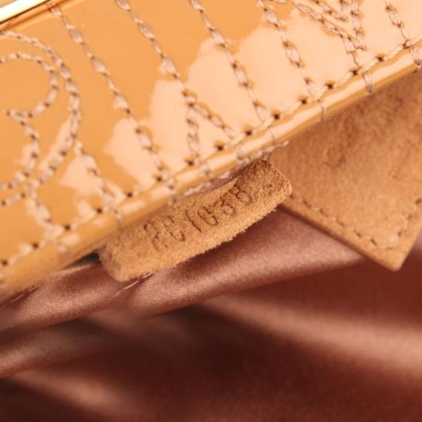 Imagen del serial del bolso louis vuitton dark beige