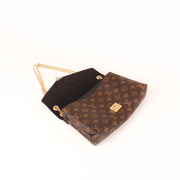 Imagen general del bolso louis vuitton pallas negro monogram