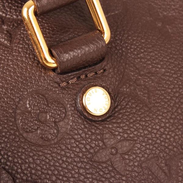 Imagen del detalle 2 del bolso louis vuitton speedy embossed