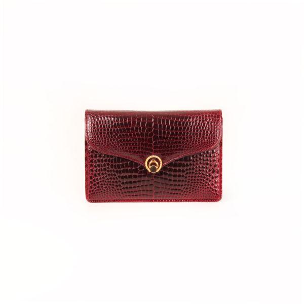 Imagen frontal del bolso gucci vintage croco