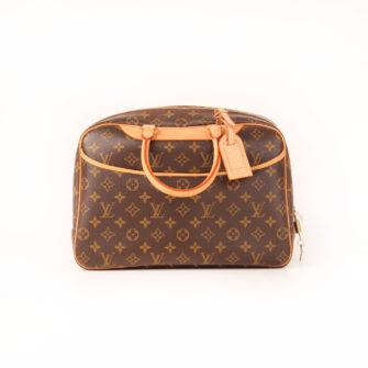 Imagen frontal del bolso louis vuitton deauville