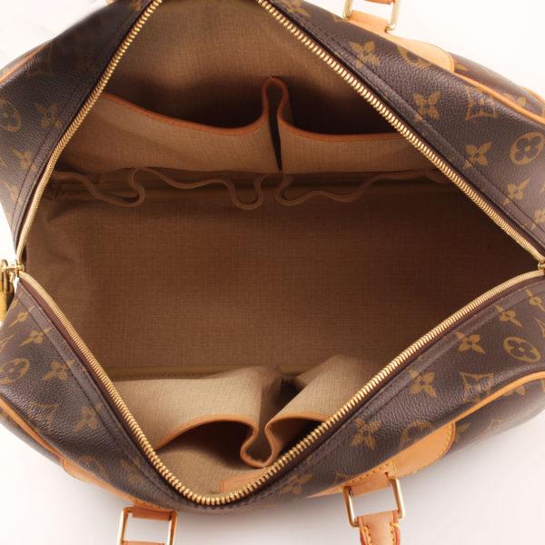 Imagen interior del bolso louis vuitton deauville