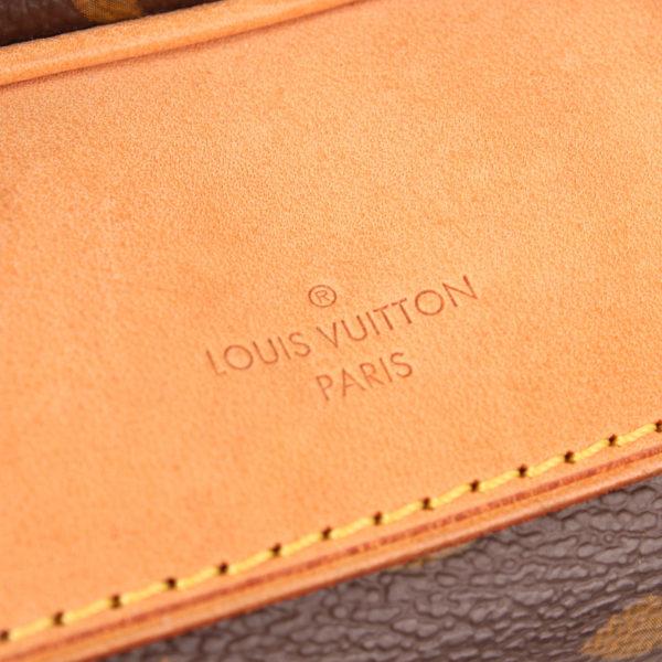 Imagen de marca del bolso louis vuitton deauville