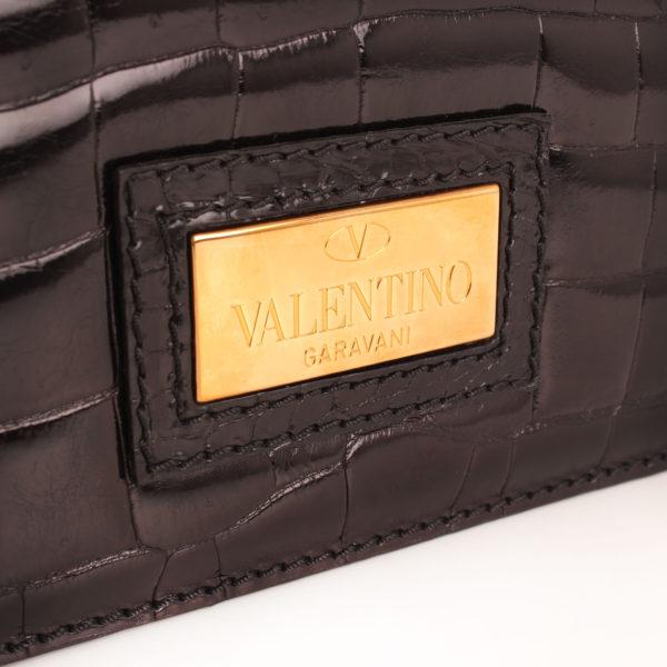 Imagen de la placa del bolso valentino croco negro