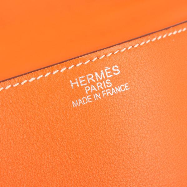 Imagen de la marca del bolso kelly flat 35 naranja