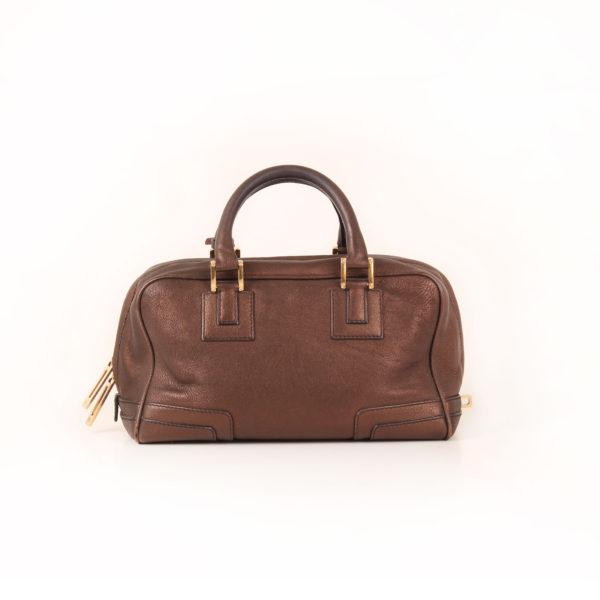 Imagen trasera del bolso loewe amazona mini