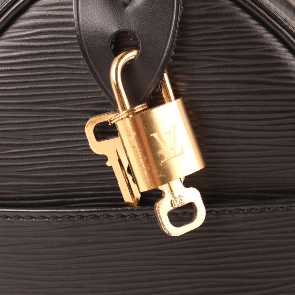 Imagen de las llaves del bolso louis vuitton speedy 28 epi negro